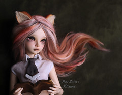 Fox study (pure_embers) Tags: pure embers resin bjd 14 doll dolls ns uk girl minifee mirwen kitsune msd pureembers pureemberskitsune photography photo ball joint portrait pink alpaca hair fox sparrow ears book study
