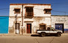 San Luis Potosi street shot (Harry Szpilmann) Tags: mexico streetphotography vintage car architecture sanluispotosi mexique