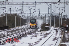 Pendo-blizzno (CS:BG Photography) Tags: tamworth tam westcoastmainline wcml class390 vtwc virgintrainswestcoast pendolino 390137 virgindifference snow powdersnow