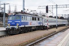 PKP EP07-1038 - Wrocław Główny (Neil Pulling) Tags: wrocławgłówny wroclaw silesia pkp polishrailways station lowersilesia transport publictransport śląsk train poland ep071038