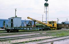MILW X922294 (Chuck Zeiler) Tags: milw milwaukeeroad cmstpp x922294 railroad flatcar flat car mow bensenville train chuckzeiler chz burro