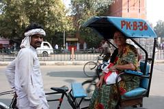 Jaipur (mbphillips) Tags: rajasthan market people राजस्थान jaipur जयपुर southasia india 인도 印度 インド asia アジア 아시아 亚洲 亞洲 mbphillips sigma18200mmf3563 canon450d gente 人 사람들 사람 personas 市場 市场 시장 mercado geotagged photojournalism photojournalist