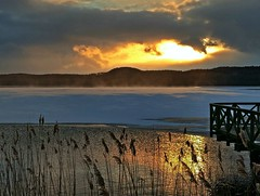 Sonnenuntergang über dem Schmachter See (lt_paris) Tags: urlaubinbinz2018 binz rügen sonnenuntergang sonne wolken himmel schmachtersee schnee see winter