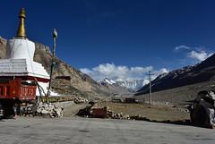 Everest with Stupa, Tibet (Harald Philipp) Tags: everest rongbuk monastery tibet buddhist ronghbuk rongwu rongbo mountains snow glacier rural poverty highaltitude basecamp china nikon d810 nikkor stupa