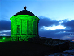 St Patrick's Day 2018. (ikerr) Tags: musseden temple castlerock derry londonderry northern ireland green night lights st patricks day 2018 northernireland architecture building