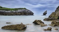 PICON DE BUELNA (jgapsan) Tags: roca españa asturias buelna playa cantabrico costa paisaje largaexposicion mar
