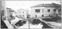 Κρύα, δεξιά το εκκοκκιστήριο-νηματουργείο των αδελφών ΣΤΡΑΓΚΑ, στο μέσο το νηματουργείο των Θ. ΚΑΒΡΗ, Γ. ΚΑΒΡΗ, Ε. ΠΑΝΟΥΡΓΙΑ, Θ. ΡΟΖΑΝΙΤΟΥ και Δ. ΧΑΤΖΟΠΟΥΛΟΥ, (δεύτερο κτιριακό συγκρότημα) αριστερά το δεύτερο εργοστάσιο των αδελφών ΣΤΡΑΓΚΑ (Giannis Giannakitsas) Tags: λιβαδεια livadia livadeia βοιωτια greece grece griechenland viotia boeotia lebadeia λειβαδεια πηγεσ κρυασ