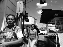Ciudad Blanca y Negra III (Isaac Palacio) Tags: new bnw street photography blancoynegro noiretblanc pretoebranco zwartwit biancoenero blackandwhite streetphoto world miligramo yucatan outside 2018 people flickr national mexico latinamerica bw classic merida white city mg fractal mgartemg oh happy day ohhappyday