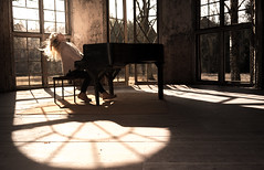 Crazy Pianist (--Conrad-N--) Tags: lost place abandoned light shadow sunrise mood grabowsee heilstätten piano flickr friends meeting march 2018 window old motion
