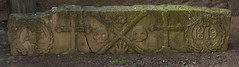 Mafet | AÑ 1819 (Ramon Oromí Farré @sobreelterreny) Tags: 1819 mafet agramunt urgell planadelleida catalunya españa es fechas dates pedra piedra stone sculpture escultura calaveres calaveras skulls provínciadelleida trencat roto broken catalonia catalogne cataluña old antique heritage patrimoni patrimonio funerari mort muerte death funerario funeral decay antiques tibia shinbone espinilla creus cruces cruz cross d7100 tamron nikon nikkor flickr vell antic antiguo viejo creutrebolada cruztrebolada cementerios cementiris cemetery graveyard burial ground churchyard