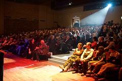 Martine dans ses oeuvres (mifranc91) Tags: concert coulisses d700 lumières nikon scène spectacle troupe zicos