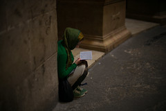 Quiet Prayer (michael.mu) Tags: leica m240 50mm leicanoctiluxm50mmf095asph noctilux jerusalem churchoftheholysepulchre streetphotography prayer