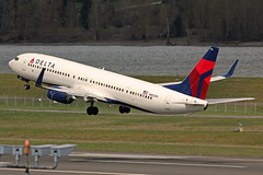 N802DN (planephotoman) Tags: boeing 737 739 737900 737932 737932erwl n802dn 3802 cn31917 ln4628 deltaairlines delta airline airliner pdxaircraft portlandinternationalairport pdx kpdx