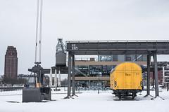 2018 Gelber Bananenwagen im Schnee (mercatormovens) Tags: frankfurt mainufer city güterwagen bananenwagen oosten ostend