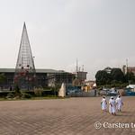 Nuns at Cathédrale Saint-Paul d'Abidjan thumbnail