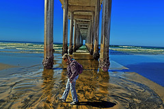 Rhythm of the Ocean (oybay©) Tags: scrippspier scripps pier lajollashores lajolla la jolla california sandiego san diego beach pacificocean pacific ocean sand sands wife walk shadow shadows color colorful colors colour