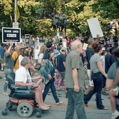 (patrickjoust) Tags: confederate monument protest dell wyman park charles village baltimore maryland usa jackson lee statue removed mamiya c330 s sekor 80mm f28 kodak portra tlr twin lens reflex 120 6x6 medium format c41 color negative film manual focus analog mechanical patrick joust patrickjoust md us united states north america estados unidos urban street city removal march