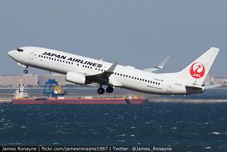 JA333J   Boeing 737-846   Japan Airlines