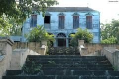 Saint-Louis, Maison Rouge : la maison de maître, en ruine (philippeguillot21) Tags: maisonrouge réunion indianocean france outremer afrique néoclassique pixelistes nikon