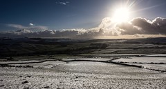 Eye of the storm (Phil-Gregory) Tags: nice nikon d7200 countrylife countryside vista light clouds cloudscape sun sunburst natrural national naturalphotography naturalworld nationalpark naturephotography naturalphotograph ngc scenicsnotjustlandscapes peakdistrict eyam field snow