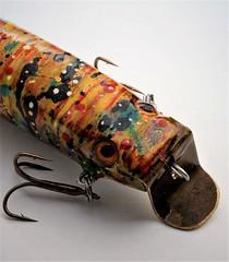 _MG_5018 (www.ilkkajukarainen.fi) Tags: uistin viehe fishing lure fish sport urheilu kalastus folk art outsider ite taide itsetehtyelämä teos suomi eu europa scandinavia finland finlande fiskare lust fisk keräily keräilyä hand painted harryvinni keminmaa