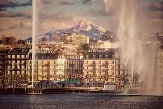 Genève - le jet d'eau le Môle (montagne) et le quai Gustave-Ador - variante 2