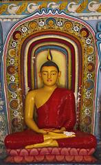 In the Shrine Room#3 (bag_lady) Tags: newshrineroom buddhism buddha statue isurumuniyarajamaha anuradhapura srilanka northcentralprovince buddhist statueoflordbuddha