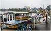 2196- VARIEDAD Y CANTIDAD DE BARCOS-DRAGÓN EN HUE - VIETNAM - (--MARCO POLO--) Tags: barcos ríos ciudades asia exotismo curiosidades