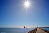 Soleil de la Grande Motte (jpto_55) Tags: mer méditerranée grandemotte soleil phare digue xe1 fji fujifilm hérault france voigtlander15mmf45superwideheliarii voigtlanderlens