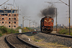 Pune ALCO - WDG3A accelerates with HYB-GR ICE (cyberdoctorind) Tags: ifttt 500px indian railways locomotives stations yards running ops wdg3a alco pune diesel loco shed