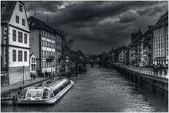 Strasbourg n°03 (claude_porignon) Tags: strasbourg ciel canal bâtiments nikondf nikon28300f3 55 6