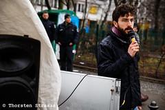 Kurden protesterieren vor der SPD-Zentrale in Berlin gegen türkische Angriffe auf Afrin (tsreportage) Tags: afrin berlin bundeszentrale demonstration efrin fahne flagge kreuzberg kundgebung kurden kurdistan kurds mitte pkk parteizentrale rojava spd sozialdemokraten sozialdemokratie syria syrien tuerkei turkey ypg attack demo flag peace protest rally socialdemocrats war ypj germany de