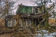 Long Pond Iron Works Fixer Upper_3516 (smack53) Tags: smack53 house home building vacant longpondironworksstatepark westmilford newjersey njstatepark nikon d100 nikond100 winter wintertime