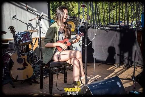 Francesca Romana Garroni 🎶 Lotus Song Music #lotussongmusic 📷 di Silvano Ti ] ; ) ::\☮/>>http://www.elettrisonanti.net/galleria-fotografica🌹 #cantautrice #popolare #indie #folk #blues #cantastorie 🎥#elettritv📲:comput