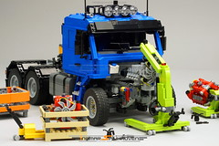 Workshop Series No.1 & Engine Series No.1 (Ingmar Spijkhoven) Tags: ingmarspijkhoven engine garage workshop tools v8 scania ilovemyjob anotherdayatwork gift selfmade create custombuilt doityourself miniature detail lego toy colors driver