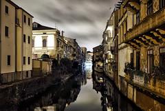 Tra i vicoli di Padova.. (Raul-64) Tags: padova veneto italia italy lungheesposizioni citta