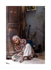 Portrait femme, Jodhpur, Rajasthan, Inde-2763 (helenea-78) Tags: kingsthirdage portraitderue portrait soulwoman woman femme inde jodhpur photoderue streetphotography street rajasthan