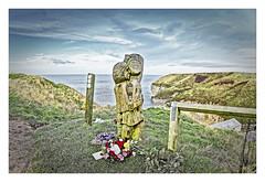 Smugglers statue at North Landing (Myrialejean) Tags: statue carving northlanding eastriding eastcoast coast bridlington yorkshire smugglers memorial