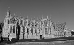 St Georges Chapel - Windsor Castle, England (big_jeff_leo) Tags: church royal knight windsor england english gothic medieval stone heritage historic history bw queen castle