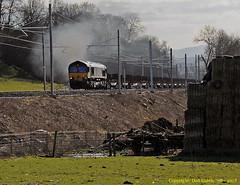 Clagging Nicely (Don Gatehouse) Tags: dbs ews 66092 bba 6z20 lickeyincline vigo eastusk scunthorpe steelempties freight clag exhaust