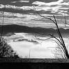 Una coperta di nuvole sul lago. (ender7.wiggin) Tags: 2018 asus zenfone4 zenfone biancoenero alzodipella pella lagodorta ortalake isola nuvole clouds blackandwhite bw bn
