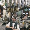 Bar Madrid (Raúl Villalón) Tags: jamón ibérico debellota mmm ham waiter bar candid photo photography people drink wine beer food evening street streetphotography sony rx100v raulvillalon madrid leon españa spain