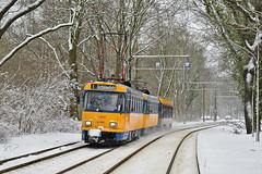 Tatra T4D-M #2166 LVB Leipzig Lipsk (3x105Na) Tags: tatra t4dm 2166 lvb leipzig lipsk deutschland niemcy germany strassenbahn strasenbahn tram tramwaj winter zima
