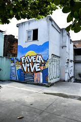 _EDU4164 (Radis Comunicação e Saúde) Tags: produção de capa resistência matéria por luiz felipe stevanim favela parque alegria grafite grafiteiros thiago taif diego azeredo revista radis 187 comunicação e saúde