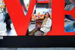 WOMEN'S DAY (André Pipa) Tags: woman womensday love respect mulher donna frauen femme mujer newyork nyc manhattan usa eua eeuu muse musa robertindiana popart avenueoftheamericas hippieculture moma