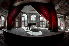 Vorhang auf--curtains up (Moni E) Tags: grabowsee piano concert concerthall old sanatorium clinic red curtain fisheye canoneffisheye815mm vintage canon6dmarkii lostplace window urbex urbexexploration abandonned lost forgotten past