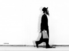 Shop (Bykaphotography) Tags: antwerp people art street