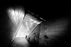 Lisboa (Hendrik Lohmann) Tags: streetphotography street lisboa bnw blackandwhite metro underground nikondf wideangle urban monochrome people city