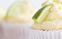 64/365: The icing on the cake (judi may) Tags: 365the2018edition 3652018 day64365 05mar18 macromonday macromondays macro citrus citrusfruit lime cake cakes cupcake cupcakes icing theicingonthecake ginandtoniccupcakes canon7d dof depthoffield bokeh highkey limezest food