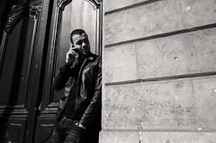 R0009716 (biggersplash) Tags: bordeaux ricohgrii ricoh gr 2 noir blanc black white rue street photography photographie monochrome personne